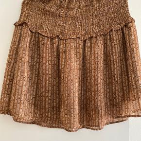 Super fin nederdel str s brugt 1 gang Sælges for 250kr