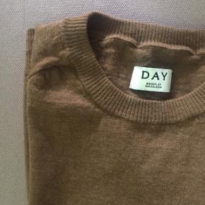 100% MERINO ULD Trøjen er en str XL men er krympet i vask så vil sige at den er en str s.