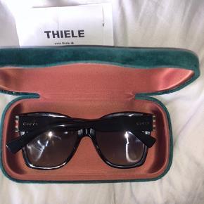 Lækre nye Gucci solbriller købt hos Thiele 15/04-2019  2019 design Nypris: 2500