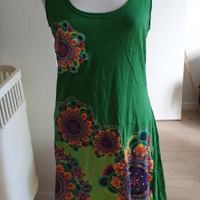 Lækker kjole fra Desigual.