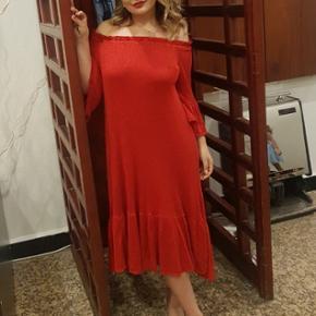 Zara kjole - super fin og kun brugt en aften