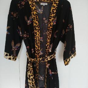 Continue kimono