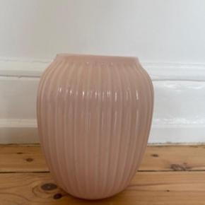* Smuk Kahler vase 21 cm høj 😀 Den har stået til pynt i ca 3 mdr 🌸🌸🌸  Som ny 👍🏻  Nypris 499kr