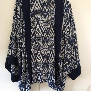Virkelig flot kimono med blåt mønster