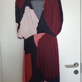Amanda blocks kjole fra Stine Goya. Brugt få gange.