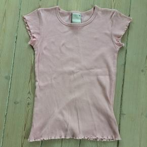 Lyserød T-shirt fra Mono, tight model