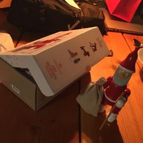 Kay Bojesen julemand sælges. Har fået den i gave fra arbejdet uden mulighed for at bytte. Da jeg allerede har den, sælger jeg den. Kom gerne med bud.