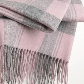200 x 60 cm 90% wool, 10% cashmere