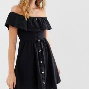 Sød sommer kjole, aldrig brugt. Størrelse small