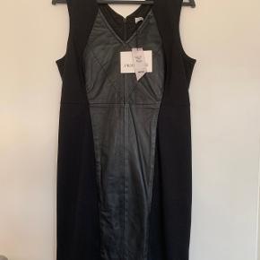 Proudmade kjole