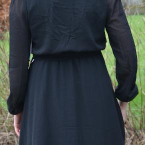 Helt ny kjole, model Wrapped Dress fra NLY Trend. Klædelig facon.