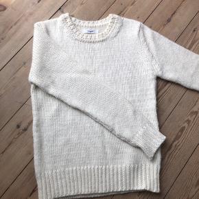 Hvid Lovechild 1979 strik med alpaca uld i størrelse XS, men passer også en small. Aldrig brugt.