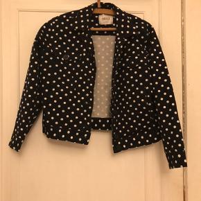 Super fin jakke, får den bare ikke brugt mere Byd