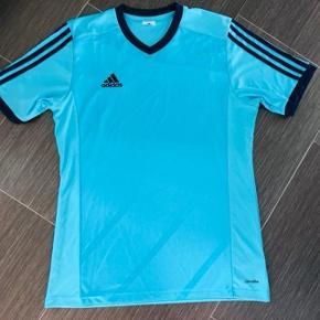 Super fine Adidas Climacool T-shirt brugt få gange. Str M mærket i nakken klippet ud, det kradsede.