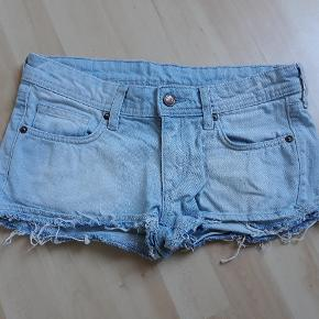 Shorts str. 36, 15kr