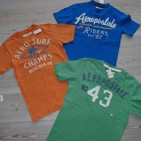 Aldrig brugt, stadig med tags. Sælge samlet for 215,- inkl med DAO. Handler gerne mobilepay.  Lækre t-shirts *NYE* *INKL* Farve: Se billede Oprindelig købspris: 640 kr.
