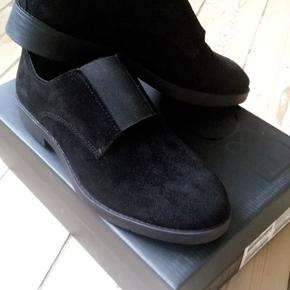 787d9142d80 Fine sko fra B&CO, aldrig brugt da de er for lille. Prismærke sidder stadig