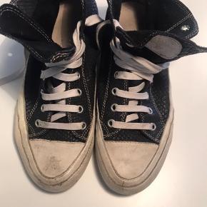 """Sælger mine Candice Cooper støvler i """"sort snake"""" og med """"slidt gummi/snuder :-)  Har været brugt max 5 gange og som nye :-)"""