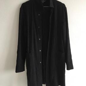 Varetype: Jakke blazer overgangsjakke Farve: Sort Oprindelig købspris: 1800 kr.  100 % uld
