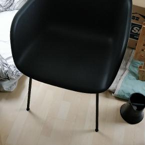4 STK muuto fiber stole. Der har været skin i dem, så de er som nye.