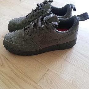 Nike Air force 1 i grøn. Brugt 6 gange