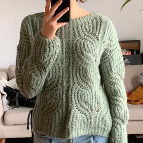 KIOMI sweater
