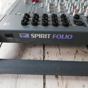 Spirit Folio mixer fra Soundcraft Obs: strømstik mangler