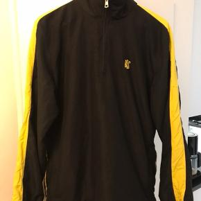BLS zip track sweater, virkelig god stand, er dog blevet syet sammen inden i ærmet som ikke kan ses