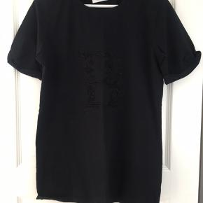Super cool t-shirt.  Brugt max et par gange.