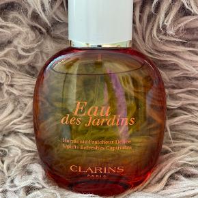 Clarins Parfume