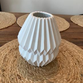 Hvid vase.