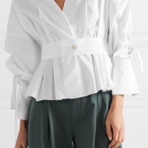 Smuk hvid skjorte filonas fra BMB  STR 44 - ret størrelsessvarende   Nypris fra 1799, sælges for 450 pp