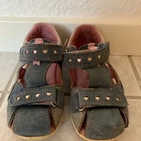 Sandaler fra Superfit, kun lidt brugt, meget fin stand.