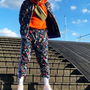 Flot track suit fra Zara.  Jeg er 183cm.