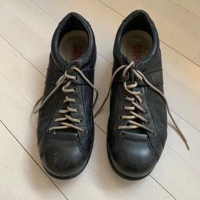 Super fine mærkebrune Camper sko - brugte men stadig rigtig god stand.