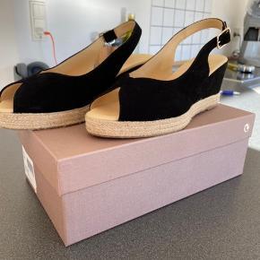 Flotte sandaler i original kasse