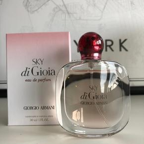 Giorgio Armani Sky di Gioia EdP 30 ml Aldrig brugt Nypris 395,-  Pris er ekskl. fragt og TS gebyr