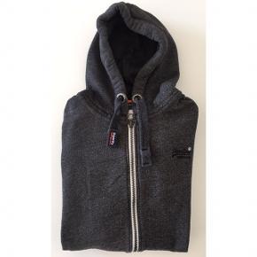 Superdry hættetrøje med lynlås Farve: Mørkegrå Aldrig brugt! Nypris: 700,-