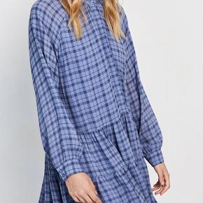 Envii kjole str. S Brugt 3-4 gange  Nypris; 550 kr.