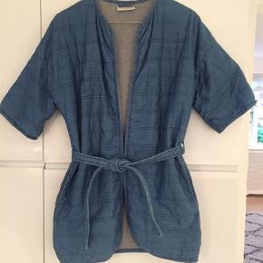 8a078de00ce4 Varetype  Kimono Størrelse  146-152 Farve  Jeans