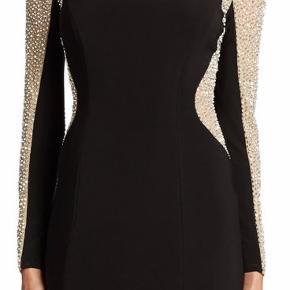 Super flot kjole købt i New York. Original pris 1800 kr. Sælges billigt pga. jeg snart skal flytte.