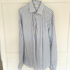 Suitsupply skjorte