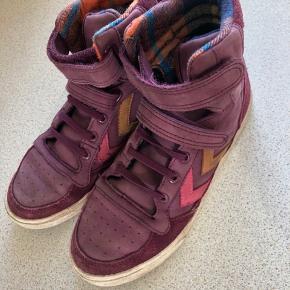 Fine sneakers