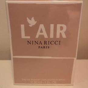 Nina Ricci parfume