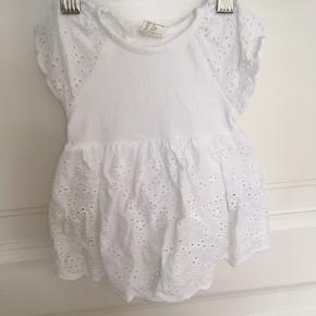H&M kjole i str. 50, aldrig brugt, kommer fra et ikke ryger hjem.  MP 30kr. - køber betaler fragt