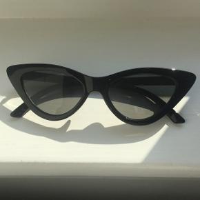 monki cat eye solbriller, brugt få gange