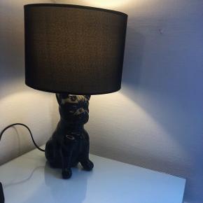Super fed bulldog lampe i sort. Sælges uden pære. Køber afhenter selv.