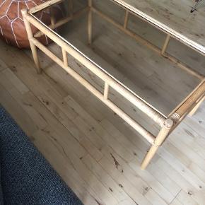 Bambus sofabord HØJDE: 47 cm  LÆNGDE: 94 cm  BREDTE: 50 cm
