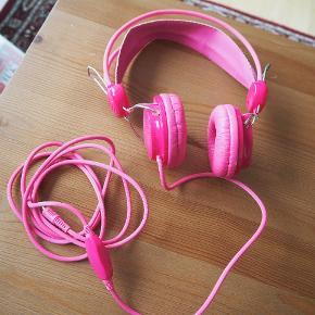 Pink høretelefoner 🎧