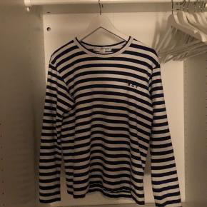 En lækker trøje fra comme i en str medium. Skriv for mere info!